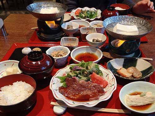 庵珠の豆腐と焼き肉料理