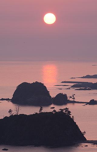 丹後半島からの朝日